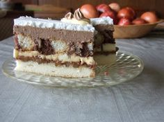 No-Bake Eclair Cake is a dessert that is layers of flavor: graham crackers, instant vanilla pudding, whipped topping and topped with chocolate frosting! Hershey Chocolate Pie, Chocolate Pies, Chocolate Frosting, Chocolates, Fudge, No Bake Eclair Cake, Vanilla Pudding Mix, Country Cooking, Whipped Topping