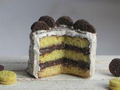 Dollhouse Miniature Chocolate Oreo Cake, Dollhouse Cake and Cookies, Miniature Food in 1:12 scale