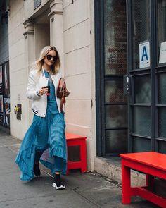 """좋아요 694개, 댓글 23개 - Instagram의 Charlotte Groeneveld(@thefashionguitar)님: """"Three ways to wear denim 🙋🏼🙅🏼💁🏼 Now up on Thefashionguitar.com #linkinbio @7fam #Thefashionguitar…"""""""