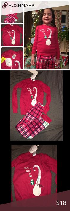 Gymboree Girl's Pajama Ser sz 4 NWT! Very beautiful, comfy and stylish gymmies my daughter is wearing hers on the picture those are size 6 the one for sale are size 4. Pet & Smoke free home. 🚨NO TRADES🚨 Gymboree Pajamas Pajama Sets