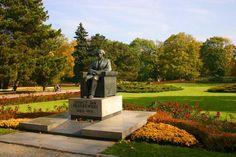 http://vignette2.wikia.nocookie.net/warszawa/images/4/4c/Pomnik_Paderewskiego_w_Parku_Ujazdowskim.jpg/revision/latest?cb=20070205120153
