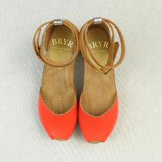 Bryr Clogs -- I am all kinds of in love with these.  ( @Susan Caron Seward click the link to see all views and then go right ahead and faint)