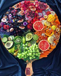 food platters & food + food recipes + food cravings + food videos + food photography + food platters + food and drink + food dinner Party Food Platters, Cheese Platters, Cheese Table, Healthy Snacks, Healthy Recipes, Healthy Brunch, Brunch Food, Healthy Fruits, Fruit Plate