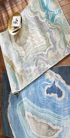 Employ the incomparable beauty of nature to create a can't-miss focal point with our Abstract Swirl Area Rug.