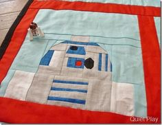 LEGO Paper pieced R2D2 Free paper piecing patterns of Star Wars characters!