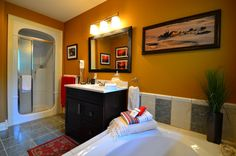 Explorer House - Silk Road Suite - Bath