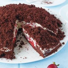 Strawberry Pie Mole- Erdbeer-Maulwurf-Torte What could be better than a chocolate cake with a lot of strawberry cream? Easy Vanilla Cake Recipe, Chocolate Cake Recipe Easy, Easy Cake Recipes, Pie Recipes, Sweet Recipes, Dessert Recipes, Brunch Recipes, Cake Chocolate, Brownie Recipes
