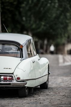 Citroën DS - Photography by Rémi Dargegen for Petrolicious