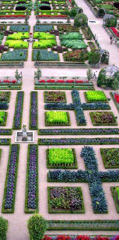 Formality - Chateau de Villandry, France