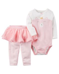 Crawling, playing or sleeping, she's cute and comfy in this 2-piece set! Complete with a foil-printed bear bodysuit and easy-on tutu pants.