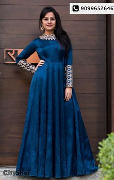 An elegant Evening gown by Studio R by Ratnakar Source by sandrabrckner gowns indian Indian Gowns Dresses, Indian Fashion Dresses, Dress Indian Style, Indian Designer Outfits, Designer Gowns, Pakistani Dresses, Indian Wedding Gowns, Fashion Outfits, Long Gown Dress