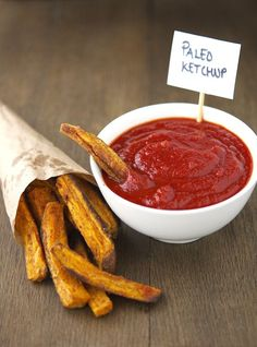 Homemade (Paleo) Ketchup. Finally, a good recipe for healthy ketchup!