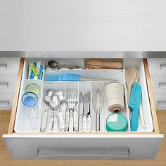 Real Simple Expandable Cutlery Tray Expands In Width From To And Length Conforms Fit Your Kitchen Drawer While Providing Storage Solutions For