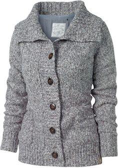 I want this cardigan. Looks so warmmmm