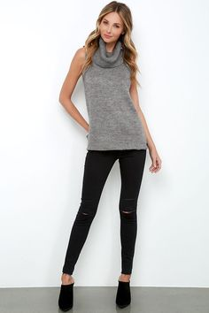 the Warm-Hearted Grey Sleeveless Cowl Neck Sweater! Cowl neck drapes atop a sleeveless sweater. Sleeveless Turtleneck Outfit, Turtleneck Outfit Winter, Grey Sweater Outfit, Sleeveless Tunic, Unisex Looks, Minimal Outfit, Cowl Neck Dress, Modest Fashion, Dress Outfits