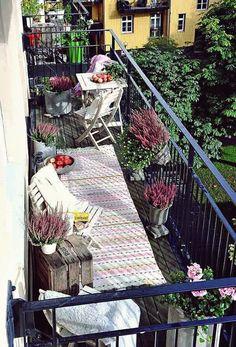 Ideas Apartment Patio Garden Ideas Tiny Balcony Outdoor Spaces For 2019 Narrow Balcony, Small Balcony Garden, Small Balcony Decor, Balcony Plants, Balcony Design, Potted Plants, Balcony Ideas, Small Balconies, Small Terrace