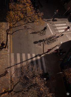 El cruce de Otoño | Colección Urbanas. Medidas 44 x 60 cms. Proyecto ApadrinaUnaPanoramica.net | Photo by EstudiFGH.net