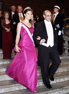 Crown princess Victoria at the Nobel-prize ceremony and banquette in 2008