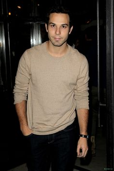 7 Things You Didn't Know About the Very Handsome Skylar Astin (Whose 21 and Over Comes Out Today!) 7 Things You Didn't Know About the Very Handsome Skylar Astin (Whose 21 and Over Comes Out Today! The Hit Girls, Cute Celebrities, Celebs, Pretty People, Beautiful People, Skylar Astin, 21 And Over, Dream Boyfriend, Pitch Perfect