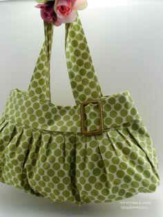 Purse Pattern!  I love this cute purse!