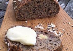 Kváskový chlieb aj pre začiatočníkov. Taká kombinácia múk, aby sa vždy podaril. Banana Bread, Desserts, Food, Basket, Tailgate Desserts, Deserts, Essen, Postres, Meals