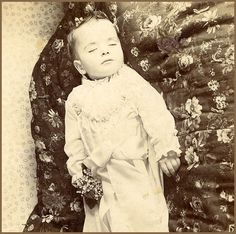Mary Cliffords baby, taken 1880