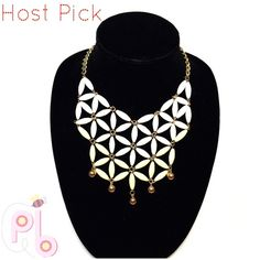 """20% OFF Bundles  Host Pick necklace Yellow, white ombre & gold necklace. Flower design. Measurements are 15"""" and 3"""" additional for adjusting. Host Pick @jeliface Jewelry Necklaces"""