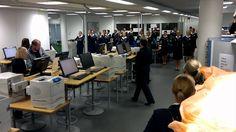 Crewiser.com: Flashmob - Finnair Crew Lounge