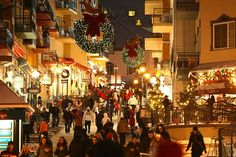 Mont-Tremblant Village become alive again at night #Tremblant