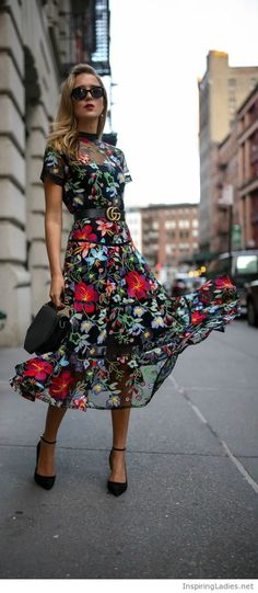 Amazing floral dress with black accessories | Inspiring Ladies