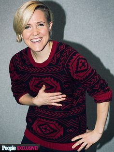 Hannah Hart Just Introduced Us to Pizza Cake and Nothing Is the Same http://www.people.com/article/hannah-hart-stream-con