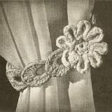 Free 'flower' curtain tie back pattern - easy step-by-step instructions   included to dress up your curtains with this tie back.