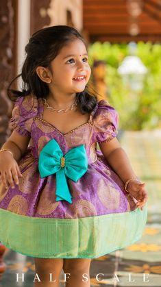 Kids Party Wear Dresses, Kids Dress Wear, Kids Gown, Dresses Kids Girl, Baby Frocks Designs, Kids Frocks Design, Baby Girl Lehenga, Kids Dress Collection, Baby Frock Pattern