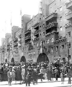 Eröffnung des Karl Marx Hof, ca. 1930, damals der größte Wiener Gebäudekomplex