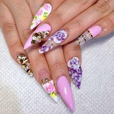 Uñas lila flores