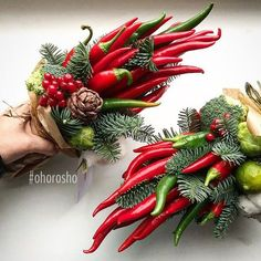 Фотография Christmas Balls, Christmas Time, Christmas Wreaths, Christmas Decorations, Xmas, Holiday Decor, Food Bouquet, Boquet, Vegetable Bouquet