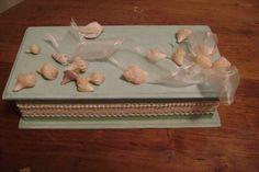 caja   decorada   con    conchas  de  mar