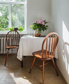 Scandinavian style interiors, dining table, Anna Kovalchenko Interiors