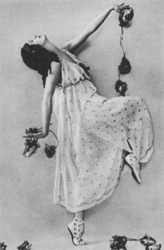 Anna Pavlova as a bacchante in Marius Petipa and Alexander Glazunov's ballet Les Saisons. c. February 1900 ( wikimedia )