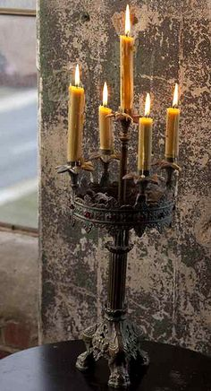 I love Candles and Candleabras! Chandeliers, Chandelier Bougie, Decoration Entree, Candle In The Wind, Light In, Candle Magic, Gothic House, Candle Lanterns, Candle Lighting