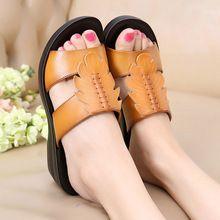 Nuevas Mujeres Sandalias Zapatillas de Moda 2017 Elegante Madre Zapatillas de Verano Cuñas Sandalia de Las Mujeres Zapatos de Las Sandalias de Cuero Genuino(China (Mainland))