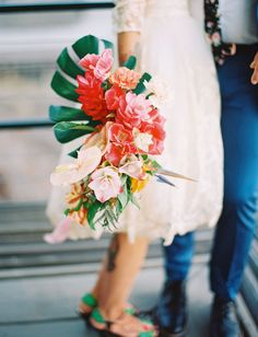 Tropical wedding bouquets are bright, stylish and unusual. Particular attention should be paid to the bride's bouquet. Tropical Wedding Bouquets, Cascading Wedding Bouquets, Bride Bouquets, Floral Wedding, Wedding Colors, Green Wedding, Cascade Bouquet, Tropical Flowers, Exotic Flowers