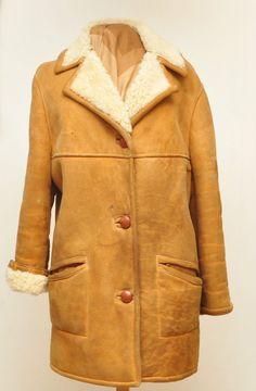40c3e05184e3 ORIGINAL VINTAGE LADIES SHEEPSKIN COAT TAN UK 12 1970S in Clothes