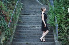 """Kleid """"midnight"""" - eleganter Wasserfall raffiniert verabeitet, aufspringende Taillenabnäher, Saum leicht ausgestellt"""