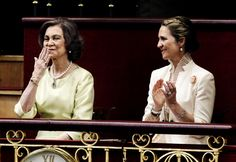 misshonoriaglossop:   Installation of King Felipe, June 19, 2014-Queen Sofîa blows a kiss to her son as Infanta Leonor looks on.  King Felipe paid tribute to his father and his mother during his speech.