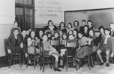 Music lesson in the SJYA (Shanghai Jewish Youth Association) school for Jewish refugee children, Shanghai, China, Jewish History, World History, Jewish Ghetto, Old Shanghai, Judaism, North Africa, My People, World War Two, Old Pictures