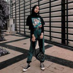 Modest Fashion Hijab, Modern Hijab Fashion, Street Hijab Fashion, Hijab Fashion Inspiration, Muslim Fashion, Ootd Hijab, Casual Hijab Outfit, Tomboy Winter Outfits, Hijab Chic