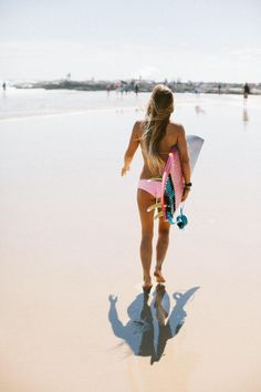 Summer Vibes // Beach // Friends // Adventure // Sun // Paradise // Fashion + Outfits // Surf // Pool Fun // For more visit @livewildbefree