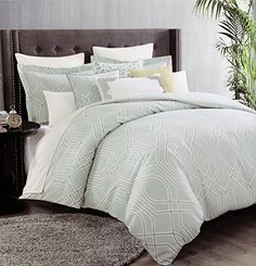Max Studio Lattice Quatrefoil Pattern Full Queen Duvet Cover and Shams 3pc Set, Light Turquoise, Grey and White Max Studio Home http://www.amazon.com/dp/B00U51G79M/ref=cm_sw_r_pi_dp_2dY-ub070REY5