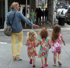 It's a row of Lilly. This picture alone makes me want to have multiple girls so they can all wear Lilly together. <3 :)